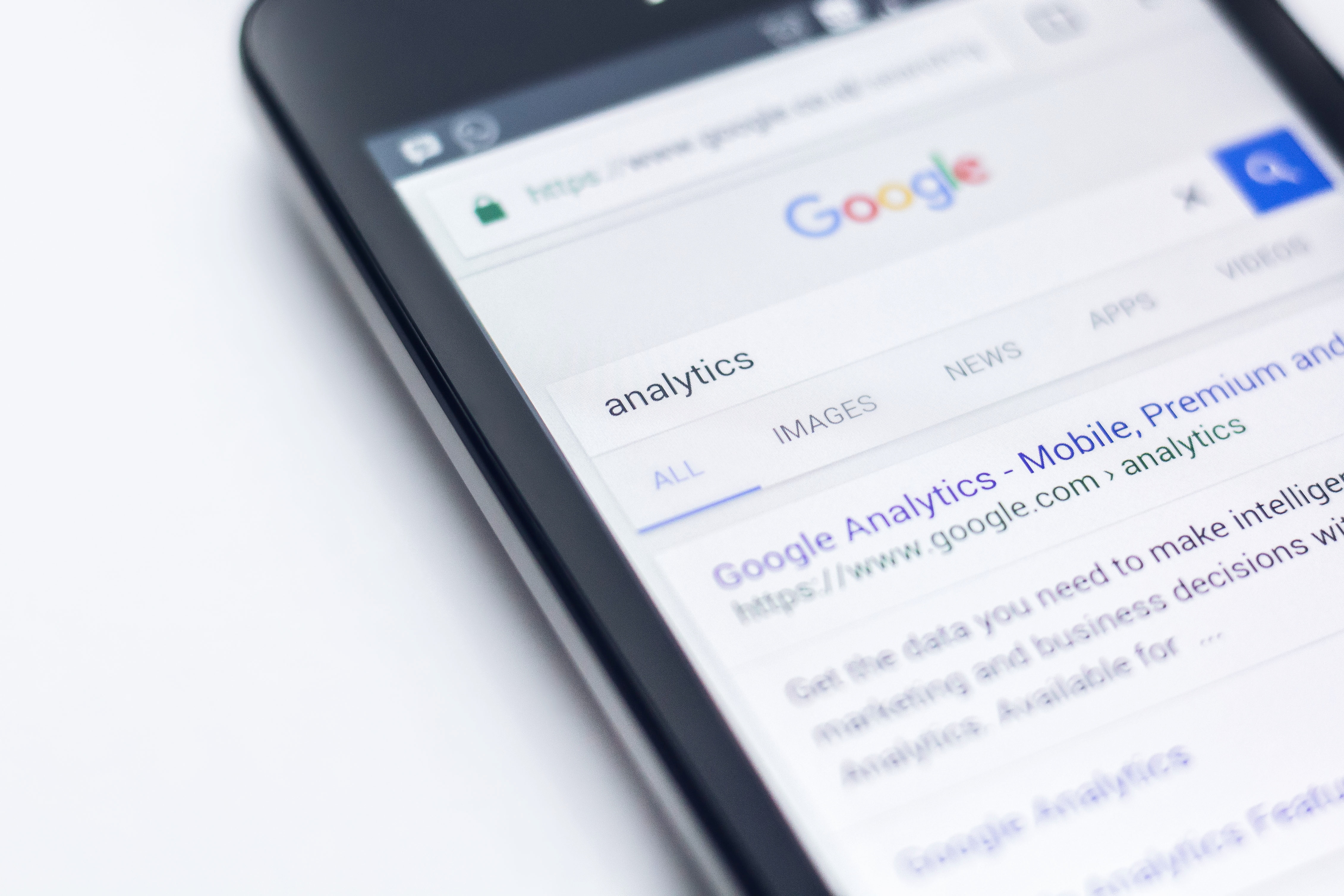 Google Search Update: Breadcrumb SERPs Evidence of Mobile First Index?